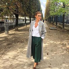 One more walk before heading over to my angels . Work Casual, Casual Chic, Ramona Filip, Fashion Beauty, Womens Fashion, Fashion Trends, Loafers Outfit, Giovanna Battaglia, Olivia Palermo