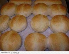 szybkie bułeczki śniadaniowe :) przepis jest prosty:… na Stylowi.pl Bread Rolls, Hamburger, Recipies, Food And Drink, Cooking, Pizza, Recipes, Kitchen, Rolls