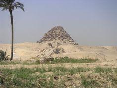 Ficheiro:Pyramide de Sahourê Abousir.JPG