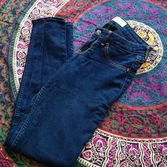 Hollister Skinny Jeans Hollister super skinny jeans. Size 3S. Good condition (few very slight snags). Hollister Pants Skinny