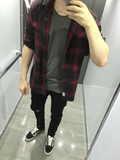 drag to resize or shift-drag to move Vans Outfit, Tomboy Outfits, Grunge Outfits, Cool Outfits, Casual Outfits, Men Casual, Fashion Outfits, Urban Fashion, Mens Fashion