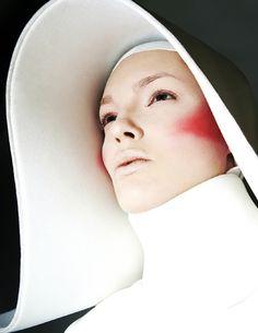Aysemmetric Nun