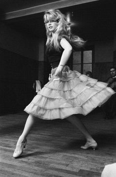 Bardot, Deneuve and Bridget Bardot, Brigitte Bardot, Vintage Beauty, Urbane Mode, Look Dark, And God Created Woman, Actrices Hollywood, 1960s Fashion, Sporty Fashion