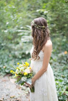 Photography by Paperlily Photography / paperlilyphotography.com, Floral Design by Petals A Florist / petalsaflorist.com/