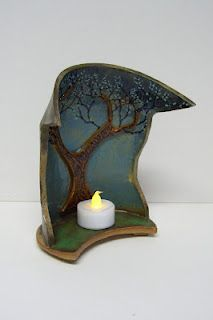 great idea for shabbes candles Handmade Pottery , Ceramics, Clay art, Design Slab Pottery, Ceramic Pottery, Pottery Art, Ceramic Lantern, Ceramic Candle Holders, Ceramics Projects, Clay Projects, Sculptures Céramiques, Pottery Designs