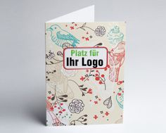 #Einladungskarte in Creme mit Vögeln, Blüten und Blättern. Ihr Einladungstexte und/oder Firmenlogo oder Bild steht prominent auf der Vorderseite.
