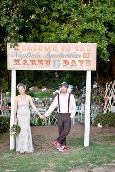 Vintage carnival wedding entrance sign - love it! Carnival Wedding, Vintage Carnival, Vintage Circus, Luxury Wedding, Dream Wedding, Wedding Day, Wedding Decor, Wedding Photos, Festival Vintage