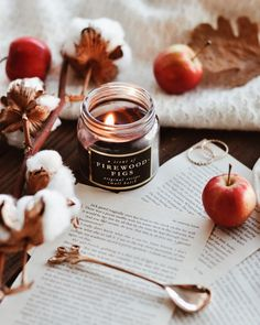 Wonderful Cost-Free fall Candles Thoughts As with all candles, the first burn is the most important. To begin, candles should burn one hour fo Autumn Cozy, Fall Winter, Cozy Winter, Winter Ideas, Hygge, Book And Coffee, Autumn Aesthetic, Fall Candles, Autumn Photography