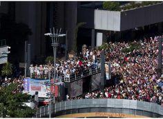 http://www.passosmgonline.com/index.php/2014-01-22-23-07-47/geral/1109-parada-do-orgulho-lgbt-celebra-a-diversidade