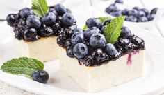 Leichte Low Carb Joghurt-Schnitten mit Heidelbeeren