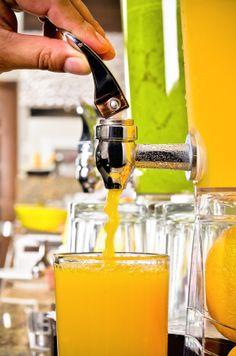 Nuestro jugo de naranja siempre fresco.