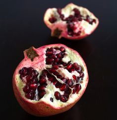 Pomegranate's  high content in flavenoids and antioxidants help support the immune system supporting the body's natural defense in the prevention of certain cancers.