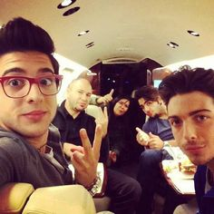 Il Volo and some other randoms I don't know. They seem nice, though.<<< I just like this comment.