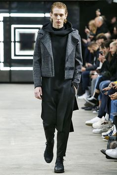 Y-3 Fall 2016 Menswear Fashion Show