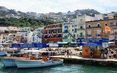 Puerto de Marina Grande en la isla de Capri, en el golfo de Nápoles