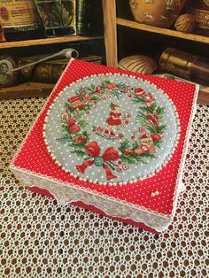"Gallery.ru / Design of a wonderful book Veronique Enginger ""Mon - French Handstitched wreath - uhfxtdf2104"