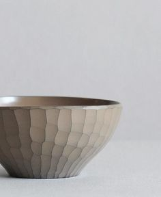 thedesignwalker: wooden bowl with white urushi lacquer coating by Hiroyuki WATANABE, Japan 渡邊浩幸
