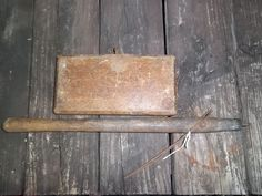 Antique Victor Carpet Stretcher Primitive Rustic Wood And Cast Iron, CM Mallory #Americana #PhelpsManufacturing
