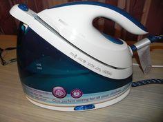 Statia de calcat Philips PerfectCare Viva, modelul GC7035.