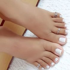 her sexy toes & pretty rings! White Toenails, White Toes, Pretty Toe Nails, Pretty Toes, Pretty Rings, Nice Nails, Feet Soles, Women's Feet, Sexy Zehen