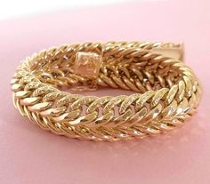 Bracelet / Gourmette / Or 18 K / gr / Or 18 carats / Gold Gold, Gold Fashion, Hijab Fashion, Womens Fashion, 14 Carat, Jewel Box, Selena Gomez, Bracelets, Necklaces
