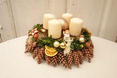 Adventskranz für die Weihnachtszeit / advent wreath for christmas time by missbellflower via DaWanda.com