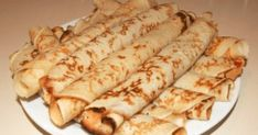 palacsinta (Hungarian Crepes) Just like the Croatian ones! Hungarian Desserts, Hungarian Cuisine, Hungarian Recipes, Hungarian Food, Hungarian Cookies, A Food, Good Food, Food And Drink, Croatian Recipes