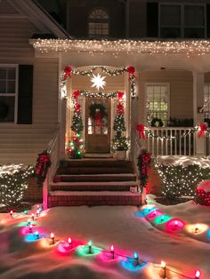 christmas lights 15 fun and festive Christmas porch decorating ideas! Come get inspired with these unique ideas. Everything from farmhouse to traditional and even colorful front porch christmas ideas! Exterior Christmas Lights, Front Door Christmas Decorations, Christmas Lights Outside, Christmas House Lights, Decorating With Christmas Lights, Porch Decorating, Front Porch Ideas For Christmas, Best Outdoor Christmas Decorations, Outdoor Xmas Lights