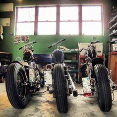 Three Harley-Davidson rigid   First on the left : Harley-Davidson FLH Early-Shovelhead engine