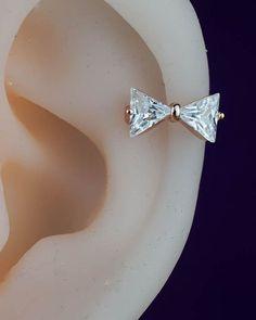 cartilage earring hoop cartilage hoop cartilage by CBOstudio Tragus Piercings, Piercing Cartilage, Cute Ear Piercings, Body Piercings, Double Cartilage, Daith, Helix Earrings Hoop, Opal Earrings, Cartilage Earrings