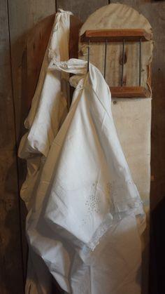 Oud ondergoed en prachtige strijkplanken