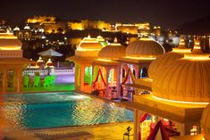 And this, is why weddings in Udaipur are so sought after! Looks magical, doesn't it? #indian #wedding #location
