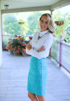 the most gorgeous appropriate outfit! | source: http://www.theclassycubicle.com/2014/08/aqua-mauve.html