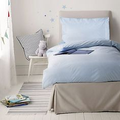Fine Stripe Single Bedlinen Set from The White Company Little White Company, Luxury Bedding Collections, Childrens Beds, Bed Linen Sets, Beautiful Children, Linen Bedding, Bedroom, Furniture, Count