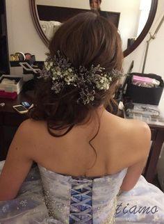 シニヨンからふわふわサイドダウンへ♡可愛い花嫁さまのホテル婚|大人可愛いブライダルヘアメイク 『tiamo』 の結婚カタログ