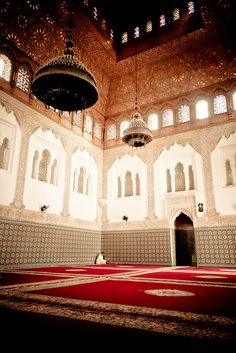 Islamic Art from Morocco Mosque Architecture, Art And Architecture, Islamic World, Islamic Art, Beautiful Mosques, Amazing Buildings, Islamic Pictures, Religion, Place Of Worship