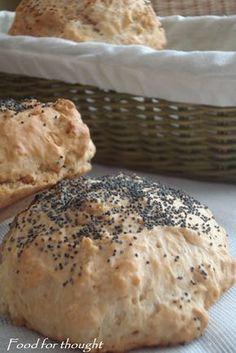 Ψωμάκια μπύρας The Kitchen Food Network, Bread Bun, Food For Thought, Bagel, Food Network Recipes, Food Porn, Rolls, Pie, Sweets
