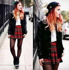 Grunge outfit for school. I love the shoes! Grunge Outfits, Grunge Fashion, Teen Fashion, Trendy Outfits, Fashion Trends, Fashion Black, Fashion Ideas, Look Rock, Alternative Mode