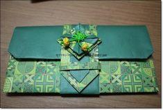 용돈봉투,종이접기,설날용돈봉투접기 : 네이버 블로그 Envelopes, Korean Crafts, Origami And Quilling, Arts And Crafts, Paper Crafts, Korean Traditional, Earring Tutorial, Wood Boxes, Decorative Boxes