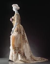 A8726 Ball gown, silk / mixed materials, House of Worth, Paris, France, c. 1900 - Powerhouse Museum Collection