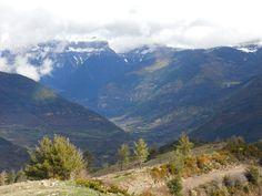 Ascendiendo al Gábalo (1958 metros). Las paredes de Mondarruego (2847 metros), cascada de Duáscaro y Torla