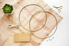 Brass Ring Hanging Planter DIY is part of diy home decor For Men Handmade Gifts - This specific project came to me after seeing a photo of a midcentury log holder I was in Diy Hanging Planter, Diy Planters, Deco Originale, Deco Boheme, Faux Succulents, Diy Schmuck, Plant Holders, Plant Decor, Messing