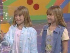 Ashley Mary Kate Olsen, Ashley Olsen, Olsen Twins Full House, Full House Funny, Michelle Tanner, Olsen Sister, 90s Things, Fuller House, Famous People