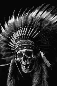 Dark Artwork, Skull Artwork, Native American Pictures, Native American Art, Indian Skull Tattoos, Crane, Skull Reference, Native Tattoos, Totenkopf Tattoos