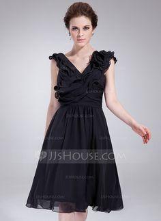 [€ 76.19] A-Line/Princess V-neck Knee-Length Chiffon Cocktail Dress With Ruffle Flower(s)
