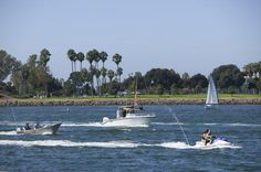 Mission Bay San Diego - Water Recreation on Mission Bay :: Mission Bay boasts 27 miles of shoreline and is the perfect location for water recreation like bosting, jet ski and wind surfing!