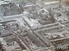 Luchtfoto 1955 van de Rotterdamse Lijnbaan en omgeving