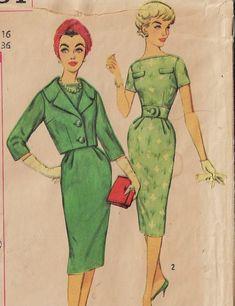 Robes Vintage, Vintage Dresses 1960s, Vintage Dress Patterns, Vintage Ladies, Retro Vintage, Vintage Outfits, Vintage Clothing, Mccalls Sewing Patterns, Simplicity Sewing Patterns