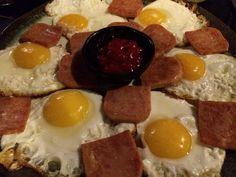 달걀 프라이 앤 스팸. 신사동 577.