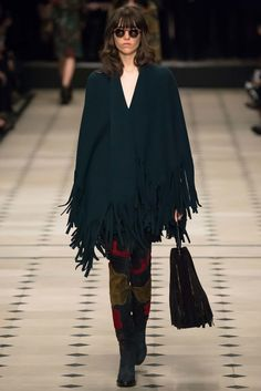 Burberry Prorsum Fall 2015 Ready-to-Wear Fashion Show - Amber Anderson